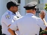 Vašingtonā aiztur vīrieti, kurš pārkāpis Baltā nama žogam