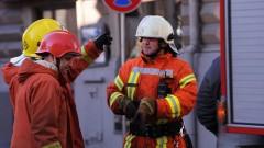 Ugunsgrēkos gājuši bojā pieci cilvēki; cietis ugunsdzēsējs