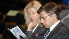Ušakova sieva varēs turpināt vadīt mēra biroju