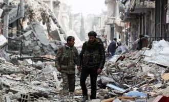 Foto: ko aiz sevis atstāj «Islāma valsts»