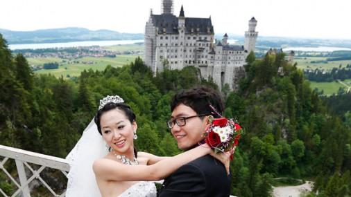 Ķīnas realitāte - miljoniem vientuļu vīriešu un līgavu iepirkšana no ārzemēm