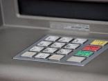 Strenčos, sabojājot bankomātu, nozagta tajā esošā nauda