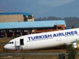«Turkish Airlines» lidmašīna ar 238 cilvēkiem nobrauc no skrejceļa