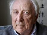 Miris Nobela prēmijas laureāts Transtremers