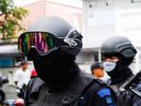Indonēzijas policija ar marihuānas dūmiem apreibina veselu pilsētu