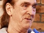 Anglim no 20 sievietēm dzimuši 40 bērni - un viņš sola neapstāties