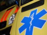 Slimnīcā nogādā pusaudzi, kam uztriekušās divas automašīnas