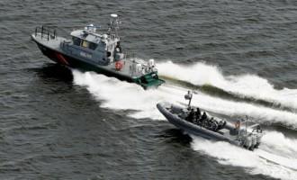 Somijas karaflote ar dziļumbumbām apmētājusi «aizdomīgu» zemūdens objektu