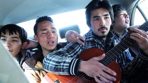 Fotostāsts: afgāņu jaunās paaudzes ikdiena