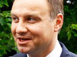 Pēc uzvaras Polijas prezidenta vēlēšanās Duda izstājas no PiS