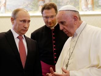 Putins par stundu nokavē tikšanos ar pāvestu; seko «dziļa saruna» par Ukrainu