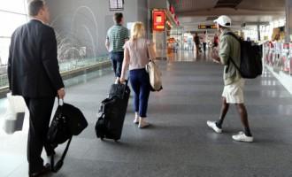 Pētījums: Arvien vairāk cittautiešu vēlas palikt dzīvot Latvijā