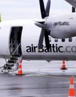 Atkal nedienas airBaltic: reiss uz Burgasu spiests atgriezties Rīgā