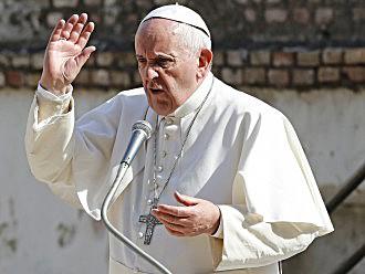 Pāvests Francisks ļauj priesteriem piedot sievietēm un ārstiem, kas veikuši abortus