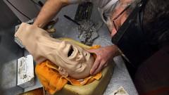 Fotostāsts: Miesu pavēlnieki - kā top slavenību vaska skulptūras