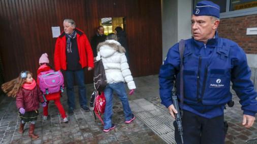 Briselē atsākas mācības skolā un pakāpeniski sāks darboties metro