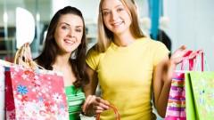 Divas draudzenes piedzīvo sarežģījumus, iepērkoties internetā