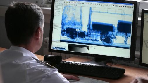 Robežas un ostas ar skeneriem Latvijā aprīkos tikai līdz 2017.gada beigām