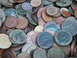 Šoferītis atriebjas: soda naudu samaksā ar diviem spaiņiem monētu