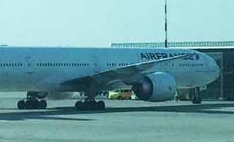 Rīgas lidostā ārkārtas apstākļu dēļ nosēdināta liela «Air France» lidmašīna