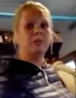 Jaunajai māmiņai par agresīvu uzvedību autobusā € 150 naudassods