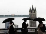 Latviešu jaunieši Lielbritānijā bažījas par savu nākotni un drošību