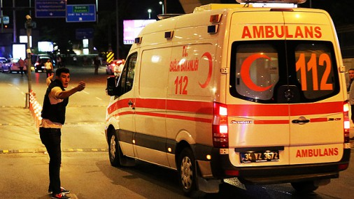 Latvijas iedzīvotājs Stambulas teroraktā guvis vieglus miesas bojājumus
