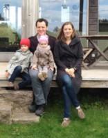 Latviešu ģimene Anglijā pieņēma neparastu lēmumu