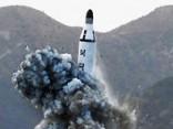 Ziemeļkoreja izmēģina no zemūdenes palaistu raķeti
