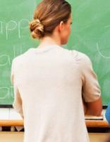 Lielākā alga skolotājam Latvijā septembrī bija € 2260