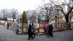 Krievijas medijs Ziemassvētku rotājumos Rīgā pamanījis svastiku