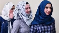 No Igaunijas aizbraukušas trīs Tartu uzņemtas bēgļu ģimenes
