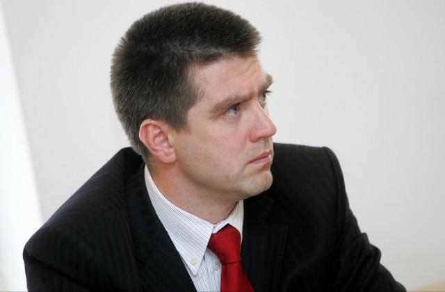 Politologs, sabiedrisko attiecību uzņēmuma «Mediju tilts» valdes loceklis Filips Rajevskis