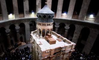Atklāts par četriem miljoniem restaurētais Jēzus Kristus kaps