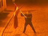 Vecrīgā par valsts karoga zaimošanu aiztur divus Beļģijas pilsoņus