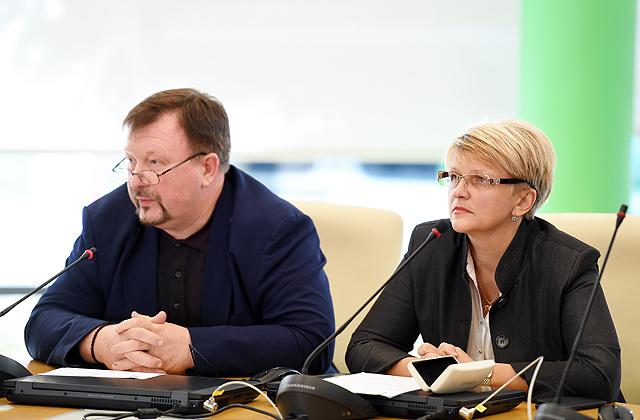 Jūrmalas domes deputāti Larisa Loskutova un Boriss Doņņikovs