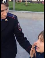 Maskavā aiztur 9 gadus vecu bērnu, kas deklamē dzeju