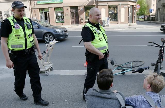 Jūnijā sāks parakstu vākšanu par velojoslu ierīkošanu Brīvības un Stabu ielās