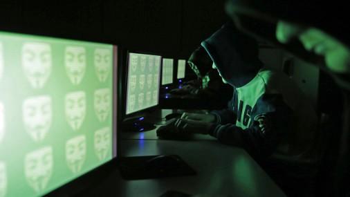 Latvijā aizturēti divi ASV par kibernoziegumiem meklēti vīrieši