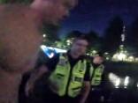 Policists izglābj Rīgas kanālā slīkstošu tūristu