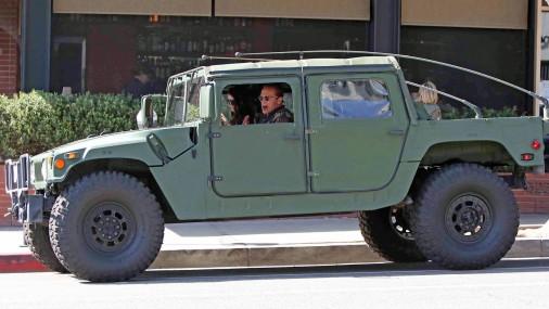Arnolds Švarcenegers un viņa Hummer