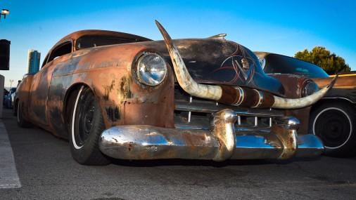 Гламурные авто и красочные наряды на фестивале rockabilly в Лас-Вегасе