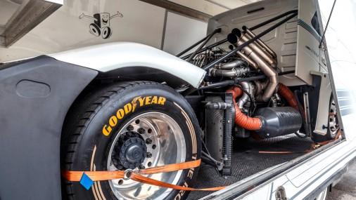Pasaulē ātrākā kravas automašīna - Volvo «Dzelzs bruņinieks» viesojas Rīgā