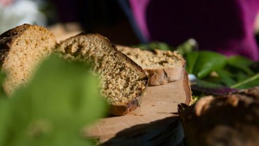 """Лиго в лесу"": хлеб на костре"