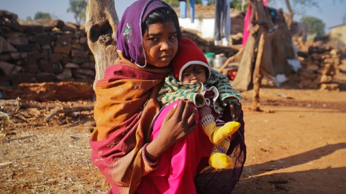 Индия: в 11 лет жена, в 14 - мать...