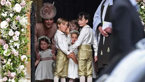 Джордж и Шарлотта на свадьбе своей тети - Пиппы Миддлтон