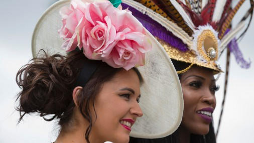 Потрясающие шляпки на скачках в Аскоте