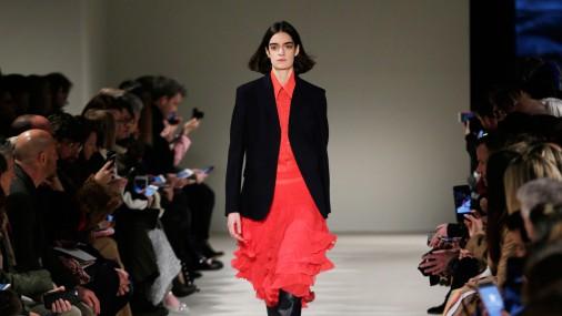 Показ коллекции Виктории Бекхэм на Неделе моды в Нью-Йорке