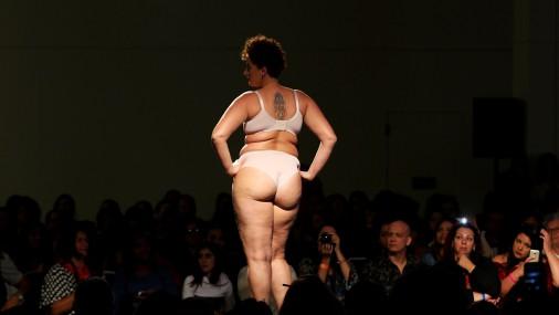 Модели plus size вышли на подиум в Сан-Паулу