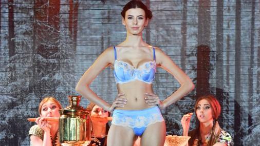 Показ модного белья в России